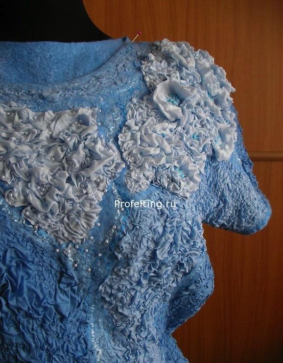 Валяное платье -образец фактур и раскладки шерсти. 2012 г.